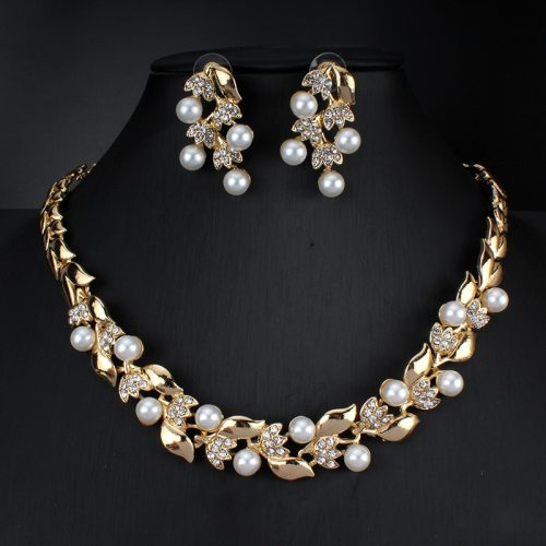 3Pcs Women's Necklace & Earring Set Imitation Pearl Jewelry Set Sweet Accessories Floral Basic