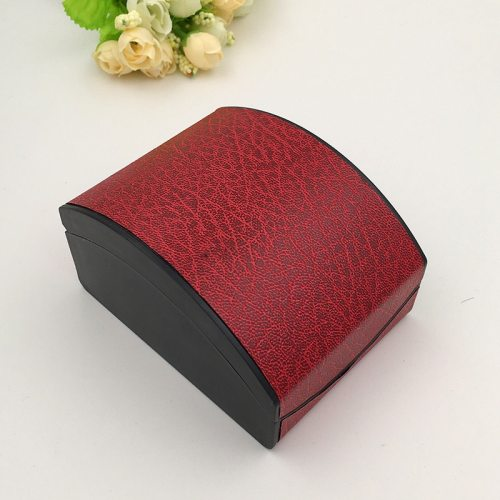 One Piece Watch Storage Box Gift Machine Sewing Thread Print 0-3Pcs Size: 105 cm - 8 cm to 6 cmWeight: 90 gInner cushion: flannelette spring Formal