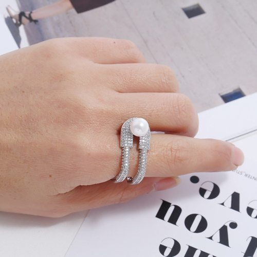 Women's Fashion Ring Exquisite Imitation Pearl Vintage Geometric Accessory Hollow out Casual Fine