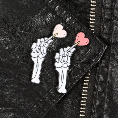 3Pcs Women's Pins Heart Pattern Style Brooches Cartoon Metal Decoration Punk
