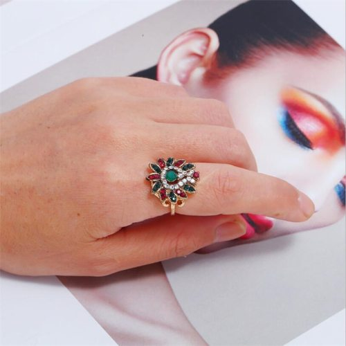 Women's Ring Rhinestone Vintage Ring Fashion Geometric Accessory Carving