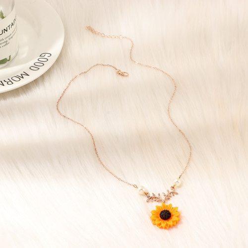 Women's Fashion Necklace Sunflower Design Creative Fine Flowers Letter Vintage Accessory