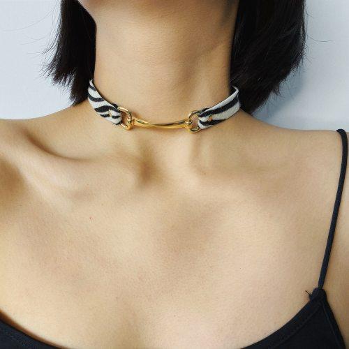 Women's With Pendant Collar Retro Geometry Leopard Stripe Simple Elegant Vintage Accessories Solid Color Metal Decoration Fashion