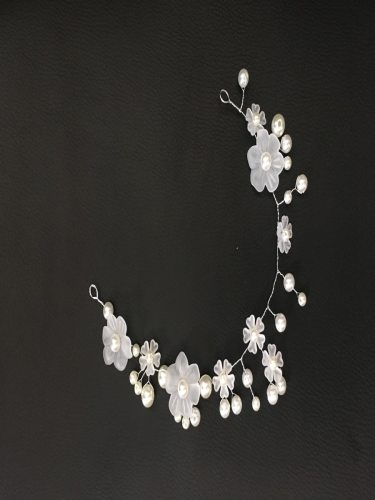 Women's White Acrylic Flower Headband Hair Chain Hair Chains Fashion