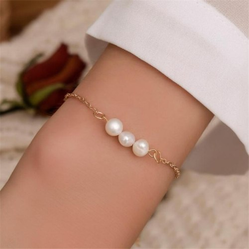 Women's Bracelet Classic Imitation Pearl Elegant Bracelet Solid Color Accessory Pearls Fashion Vintage
