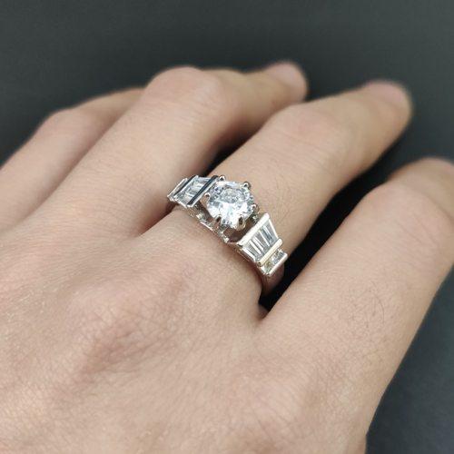 Women's Fashion Ring Creative Ladylike Engagement Accessory Crystals Geometric Basic Sweet