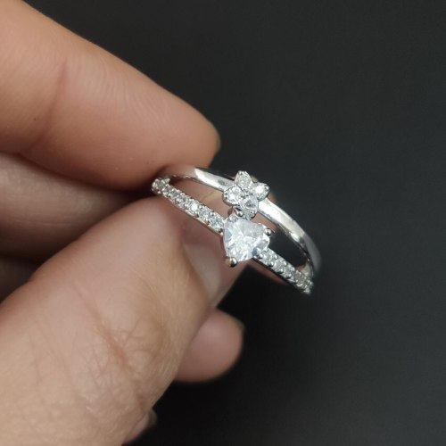 1 Piece Women's Fashion Ring Zircon Hollow Elegant Ring Accessory Geometric OL Basic Rhinestone