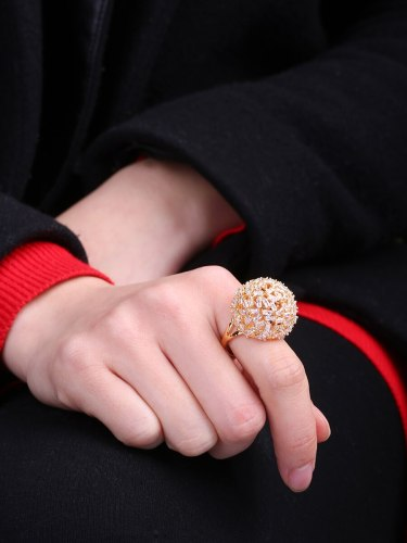 Women's Fashion Ring Classic Exquisite Hollow Out Design Unique Fine Casual Accessory