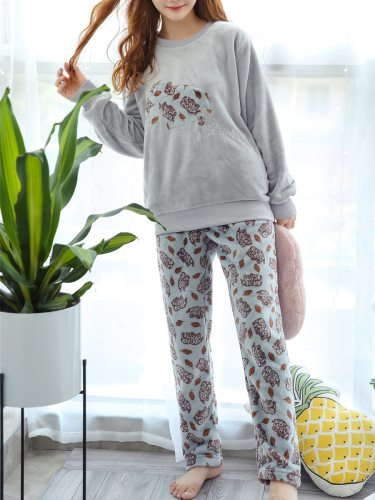 Women's Pajamas Set Comic Pattern Flannel Sweet Home Long Sleeve Casual Crew Neck