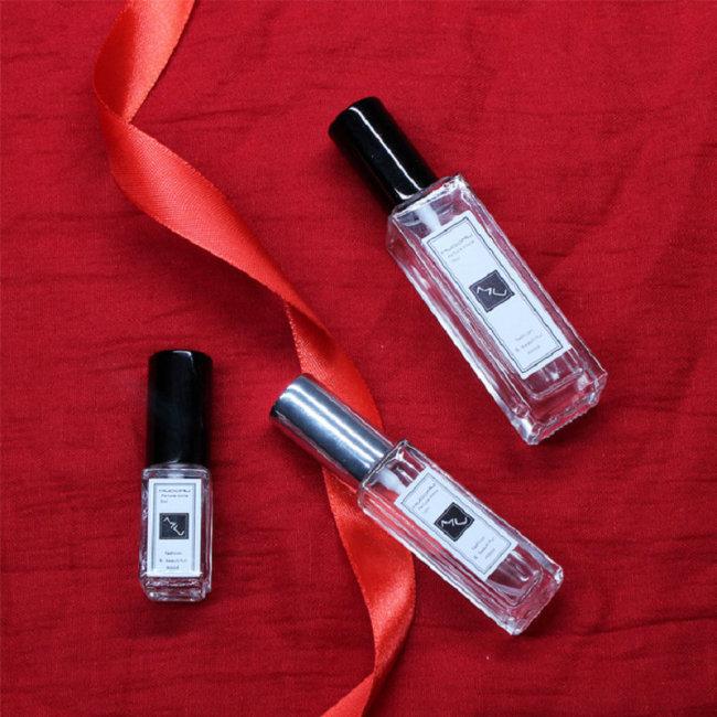 1 Piece Square Glass Spray Perfume Bottle Perfume Tool Bottle body: glassNozzle: aluminumCap color random