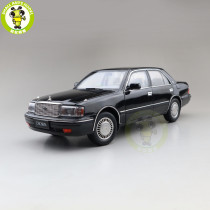 1/18 KENGFAI Toyota Crown 155 Diecast Model Car Toys Boys Girls Gifts