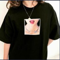 Red Lip Necklace T-shirt