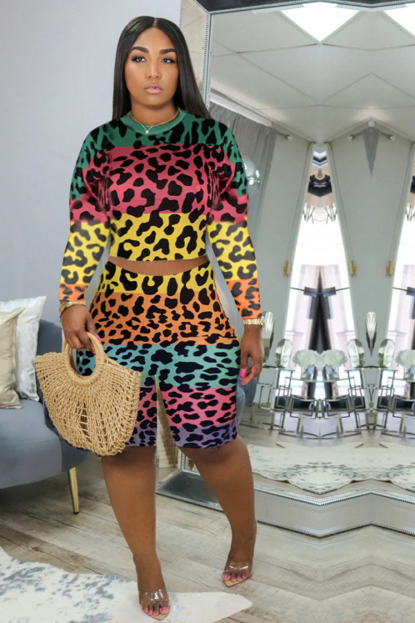 Plus Size Leopard Long Sleeve Two Piece Shorts Set MLF-8073