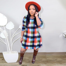 Plus Size Plaid Print Long Sleeve Big Swing Mini Dress YIY-5250