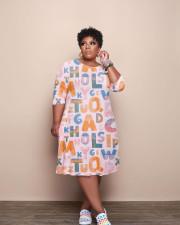 Plus Size Letter Print Long Sleeve Midi Dress YUF-9087