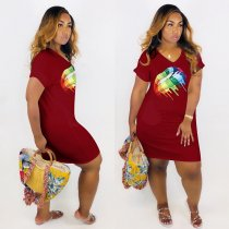 Plus Size Casual Lip Print V Neck Short Sleeve T Shirt Dress MTY-6195-1