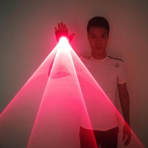 Red Handheld Laser Cannon Laser Rotating Gloves LED Palm Gyroscope Gloves CO2 Atmosphere Props