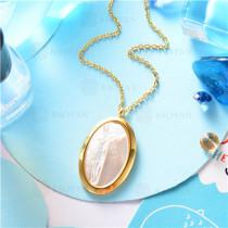 collar dorado en  acero inoxidable-SSNEG129-9644