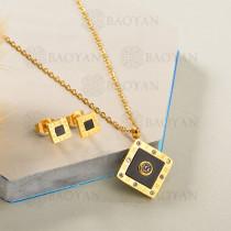 Conjunto de Collar de Numerales romanos en Acero Inoxidable -SSNEG143-13044