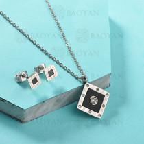 Conjunto de Collar de Numerales romanos en Acero Inoxidable -SSNEG143-13037
