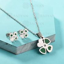 Conjunto de Collar de Trebol en Acero Inoxidable -SSNEG143-13039