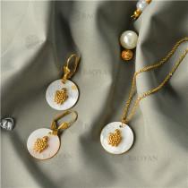 Collar con Aretes con Concha Natural en Acero Inoxidable -SSNEG143-9467