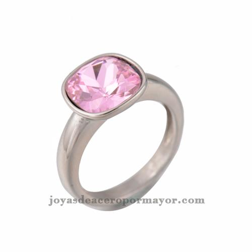 anillos plateado que trae encima un cristal