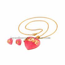 collar de piedra rosa con pendientes para chicas