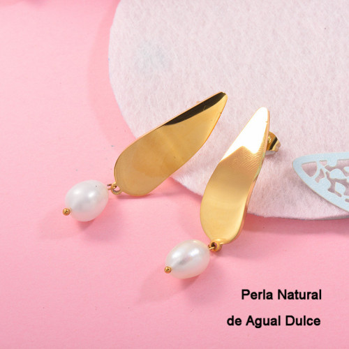 Aretes con perla Natural en acero inoxidable -SSEGG143-9123