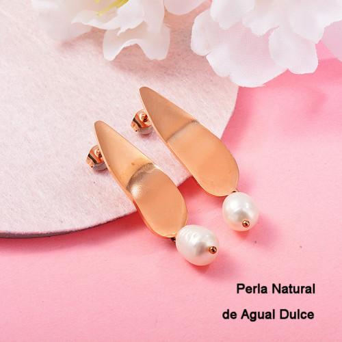 Aretes con perla Natural en acero inoxidable -SSEGG143-9125