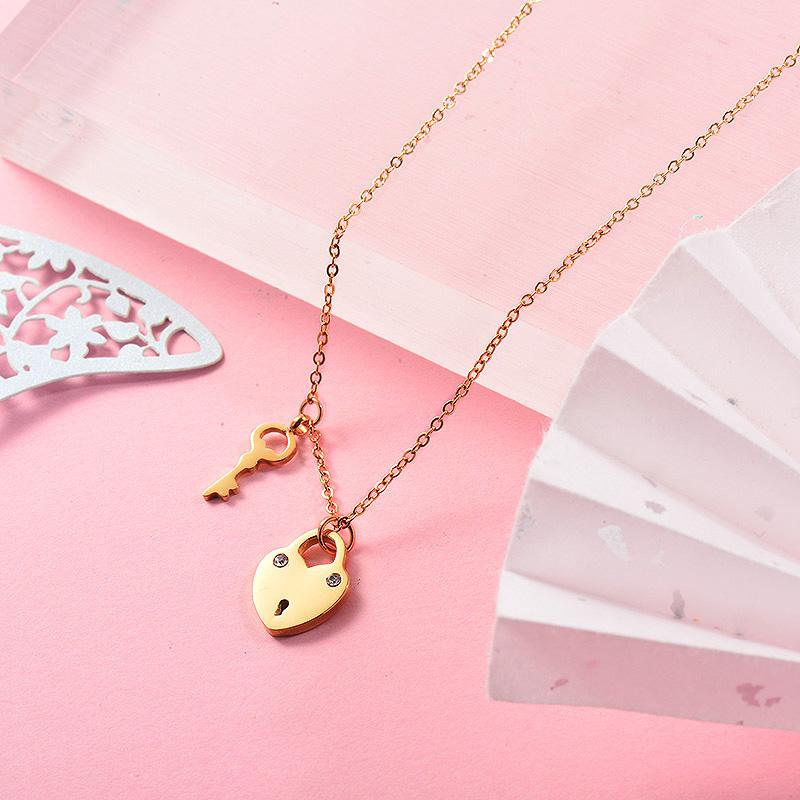 Collares de Acero Inoxidable -SSNEG139-26251