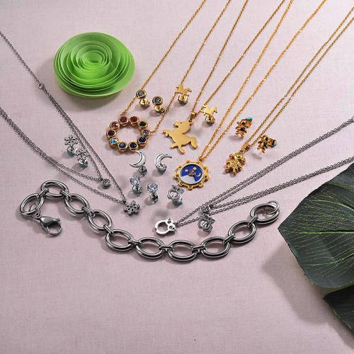 Clearance of Stainless Steel Jewelry In Lots