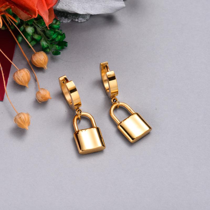 Pendientes de acero inoxidable para mujer al por mayor -SSEGG157-33111