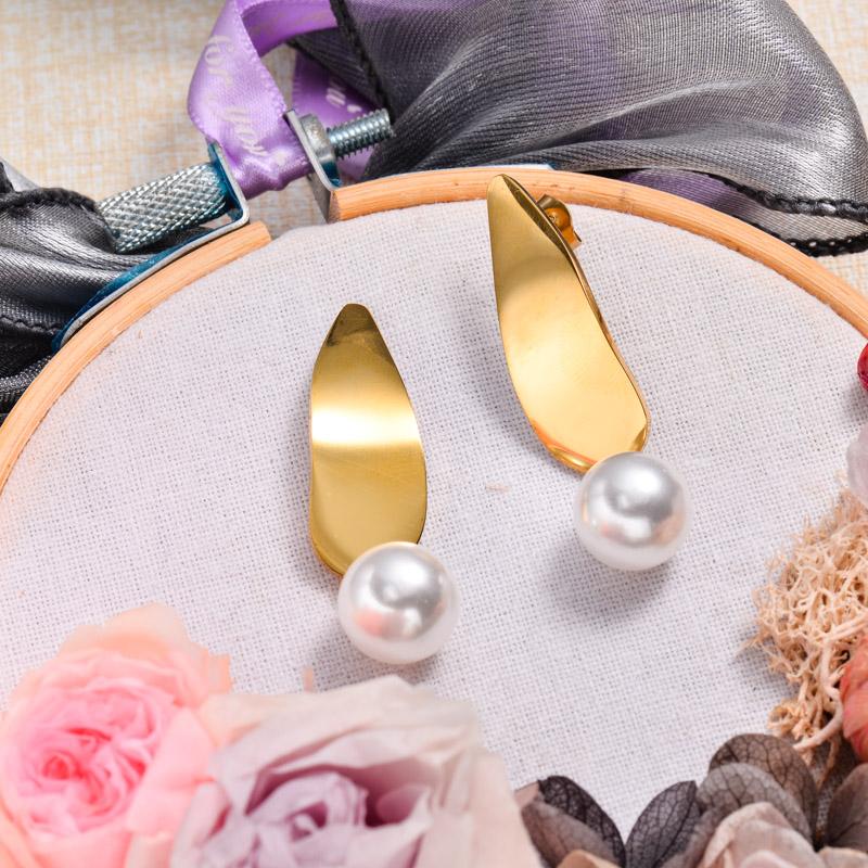 18K Gold Plated Pearl Drop Earrings -SSEGG143-32871