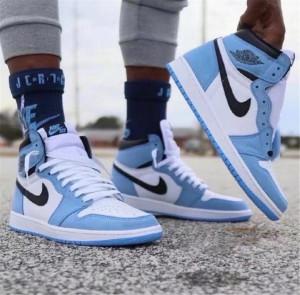 Air Jordan 1 'University Blue'