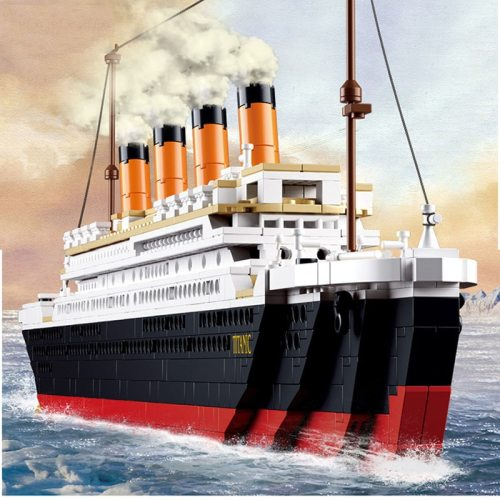 1021PCS 0577 Toy Cruise Ship RMS Titanic Boat 3D Model Building Blocks Compatible with most brand brinquedos toys & hobbies