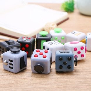 Dice Toys Anxiety Stress Relief Attention Decompression Plastic Focus Fidget Gaming Toy For Children Adult Gift Stress Reliever (Wholesale Support)