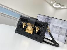 perfect replica lV elegant petite malle crossbody phonebag makeup bag  in shiny patent leather aureate hardware