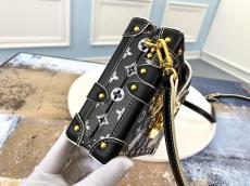 real shot lv petite malle makeup bag crossbody phonebag high quality replica free shipping worldwide