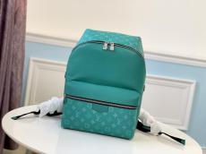 M30332 Louis Vuitton/LV discovery small outdoor mountaineer backpack superb equipment for travelling