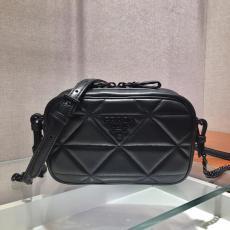 1BH141 Prada female V-shape quited sling-chain shoulder crossbody bag elegant camera makeup bag