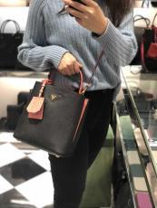 Prada female casual mixed-material scratch-proof tassel bucket bag elegant stylish portable crossbody bag essential daily street wear