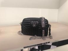 1BD083 Prada female quited casual sling-chain crossbody bag elegant camera bag superb street wear