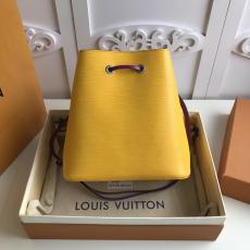 M54366 Louis Vuitton/Lv lockme ladies stylish waterproof drawstring bucket bag perfect street companion