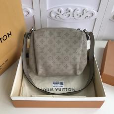 M53913 Louis Vuitton/LV female monogram casual large-capacity tote shopping bag with braided handle and silver hardware