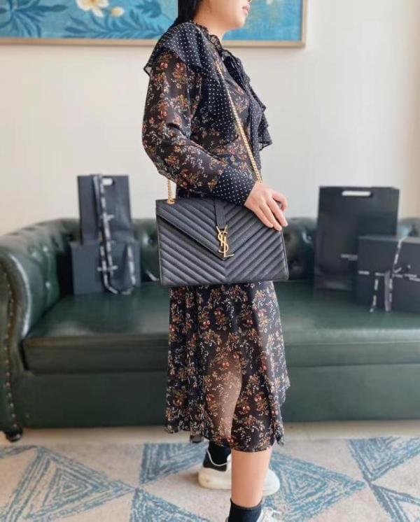 Yves Saint laurent/YSL envelope female chevron -quilted solid vintage messenger bag generous luxury chain-strap shoulder bag