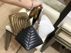 Chanel As86082 exquisite pyramid-shape quilted wristlet party clutch elegant coin pouch