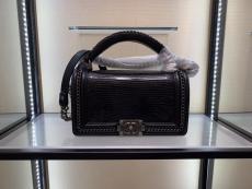 Chanel Le boy handbag luxury lizard-leather portable messenger bag single chain crossbody flap bag medium size  antique silver  hardware