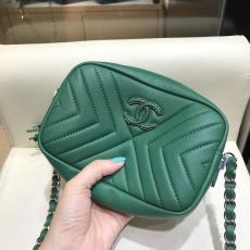 CHanel A57617 casual chevron-quilted tassel zipper camera bag delicate makeup rouge bag  in calfskin leather