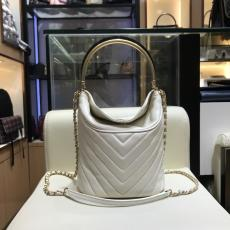 Chanel A57861 chevron-quilted luxury portable bucket bag  top-handlechain-strap crossbody bag with magnetic fastener
